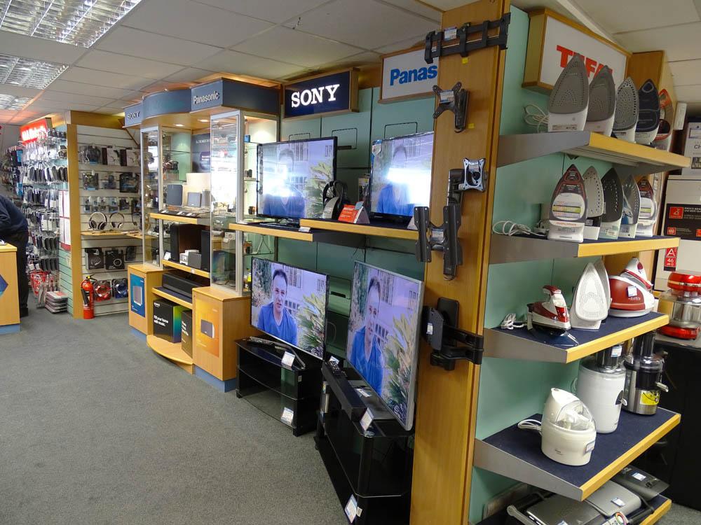 Launceston Store Hbh Woolacotts Cornwall And Devon S